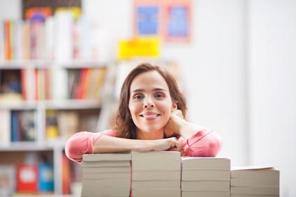 Studieren Sie jetzt an der Fernhochschule AllFinanz Akademie. © bokan - Fotolia.com © bokan - Fotolia.com