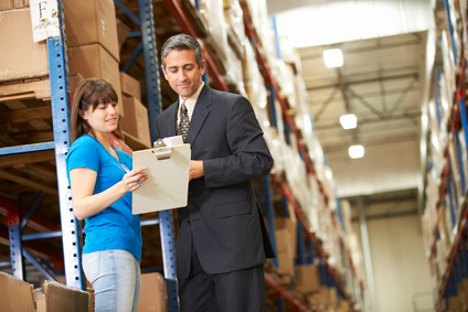 """<strong>Mit dem Fernkurs """"Handelsfachwirt der IHK"""" übernehmen Sie in Groß- und Einzelhandelsunternehmen qualifizierte Fach- und Führungsaufgaben.</strong><br/>© Monkey Business - Fotolia.com"""
