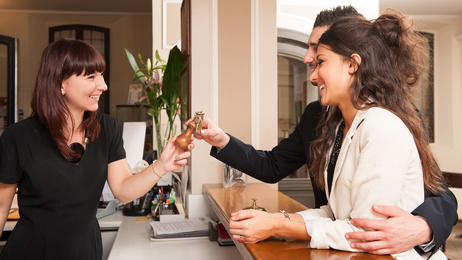 <strong>Investieren Sie in die Zukunft und studieren Sie Hotelmanagement.<!--<strong--><br /> © pio3 - Fotolia.com</strong>